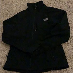 women's black north face jacket